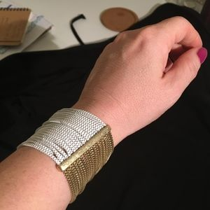 Lucky Brand NWT Gold and White Costume Bracelet